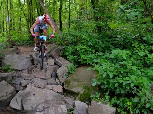 Dan Hugo, Lesley Paterson Take Xterra East Champs